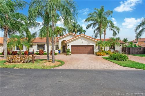Photo of 15031 SW 45th Ln, Miami, FL 33185 (MLS # A11002949)