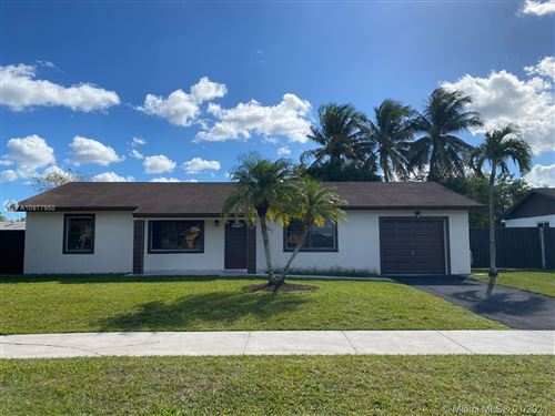 Photo of 14842 SW 70th St, Miami, FL 33193 (MLS # A10977950)