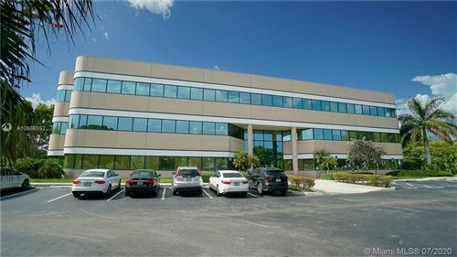 Foto de inmueble con direccion 490 Sawgrass Corporate Pkwy #310 Sunrise FL 33325 con MLS A10886952