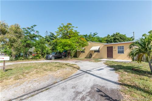 Photo of Listing MLS a10884953 in 2134 Rodman St Hollywood FL 33020