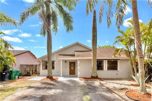 Photo of 16346 SW 303rd St, Homestead, FL 33033 (MLS # A10929953)