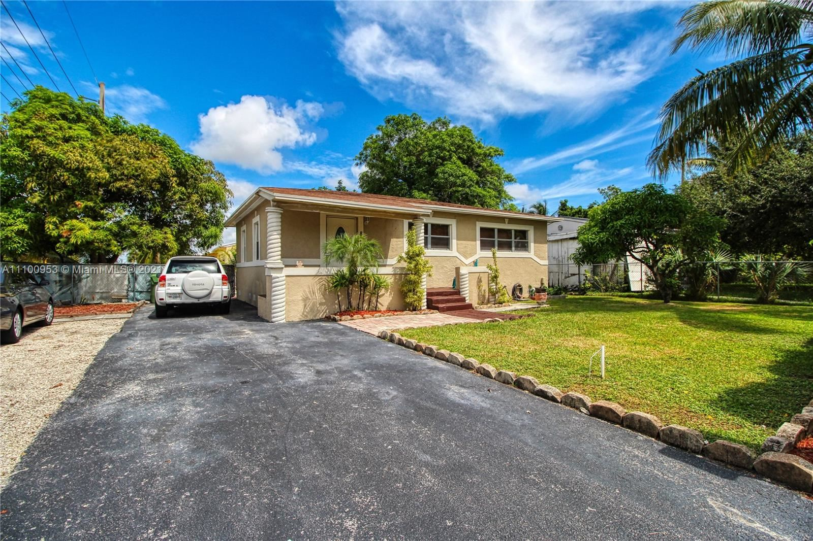 Photo of 817 NW 17th St, Fort Lauderdale, FL 33311 (MLS # A11100953)