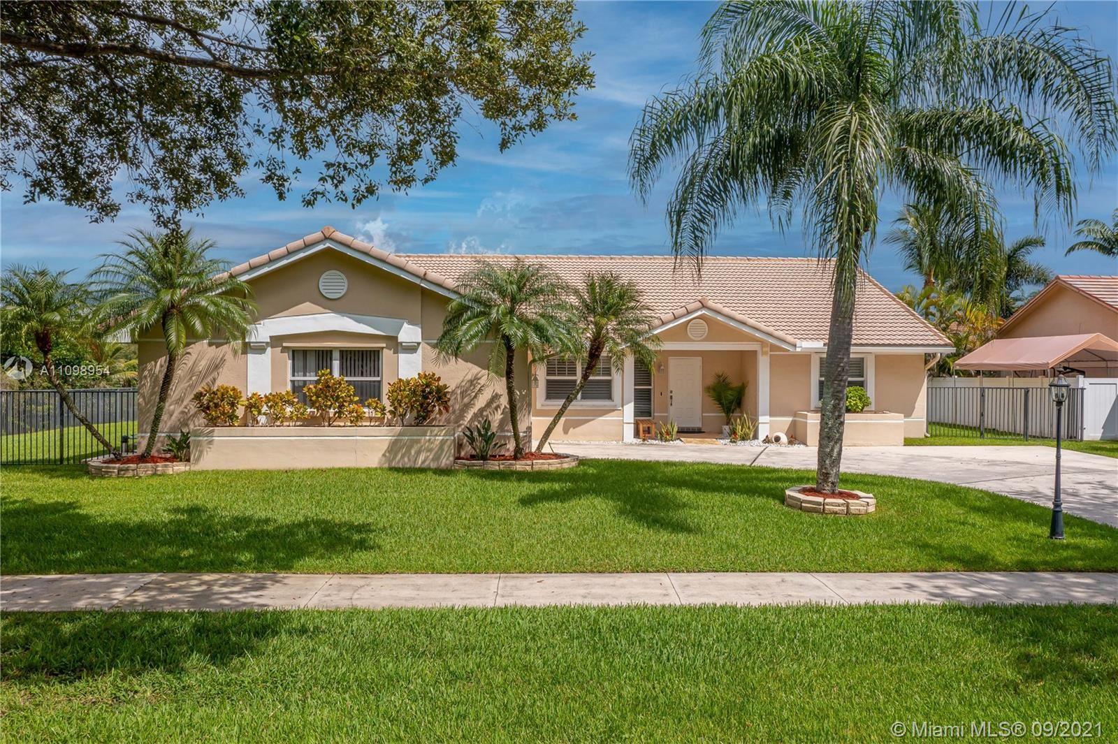 15661 Huntridge Rd, Davie, FL 33331 - #: A11098954