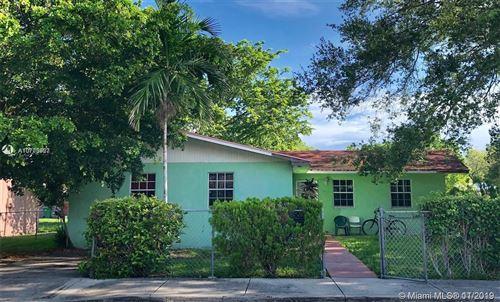 Photo of 3715 Oak Ave, Miami, FL 33133 (MLS # A10773957)