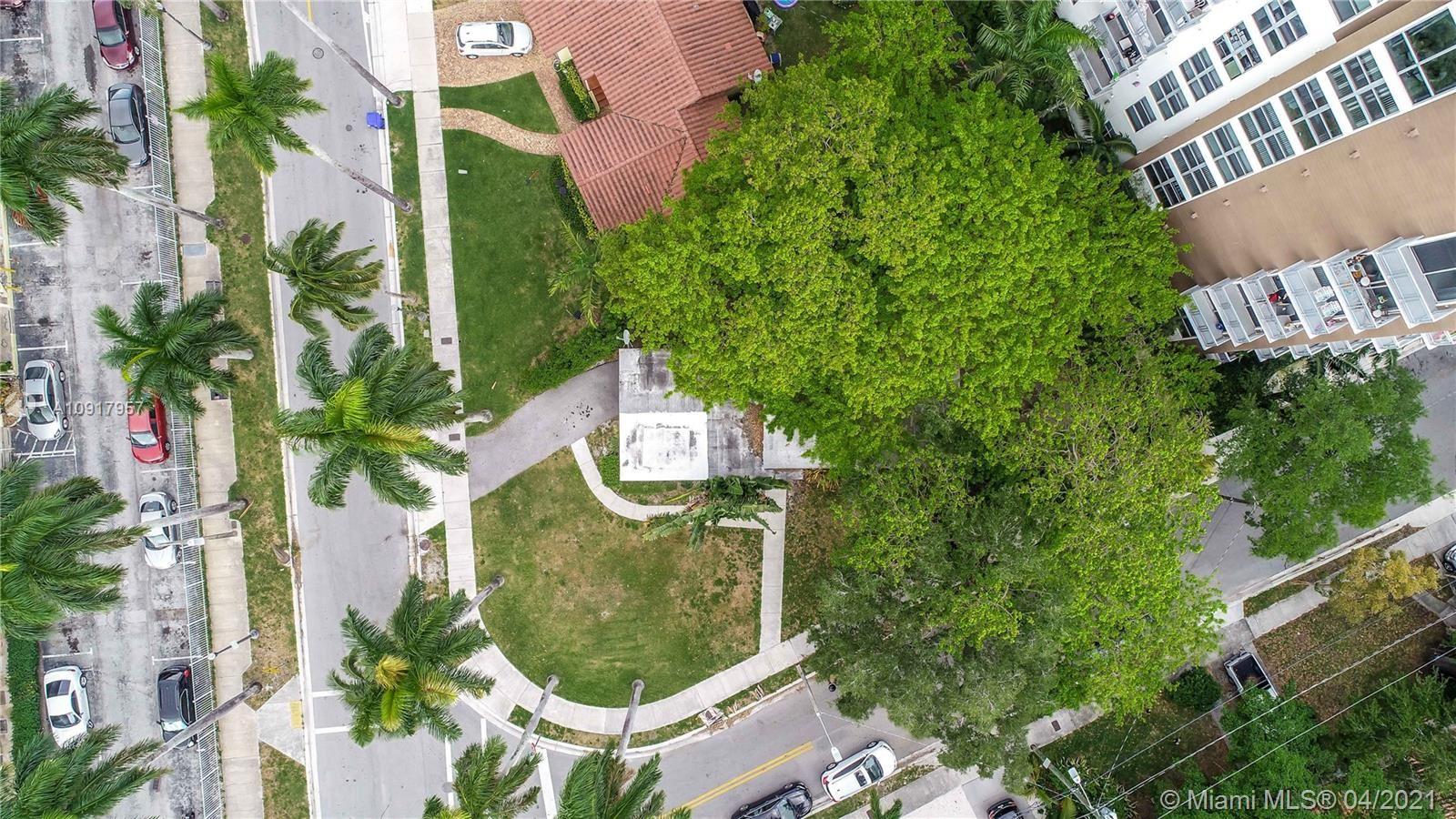 1000 NW 11th Ct, Miami, FL 33136 - #: A10917957