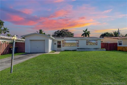 Photo of Listing MLS a10796958 in 718 NW 10th Ave Dania Beach FL 33004