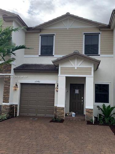 Photo of 5942 Mustang Manor #5942, Davie, FL 33314 (MLS # A11112959)