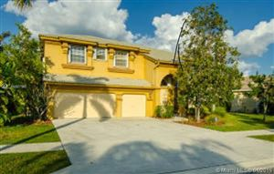 Photo of Listing MLS a10607960 in 6464 Marbletree Ln Lake Worth FL 33467