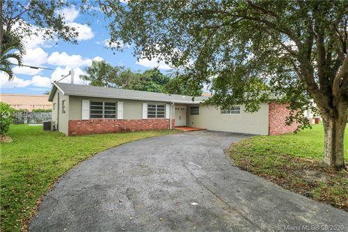 Photo of 10240 SW 103rd Ct, Miami, FL 33176 (MLS # A10793960)