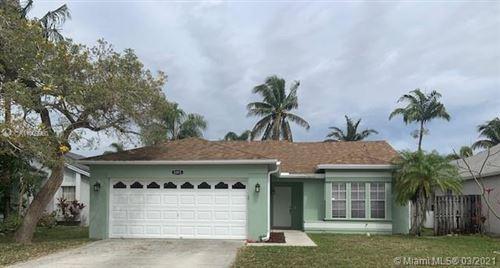 Photo of 5145 Foxhall Pl, West Palm Beach, FL 33417 (MLS # A11009960)