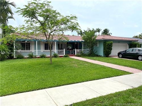 Photo of Listing MLS a10870961 in 7411 Sabal Dr Miami Lakes FL 33014