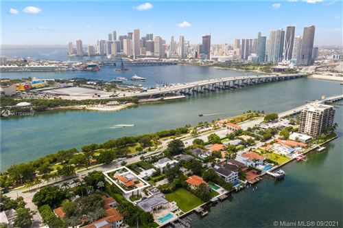 Photo of 920 N Venetian Dr, Miami, FL 33139 (MLS # A11088962)