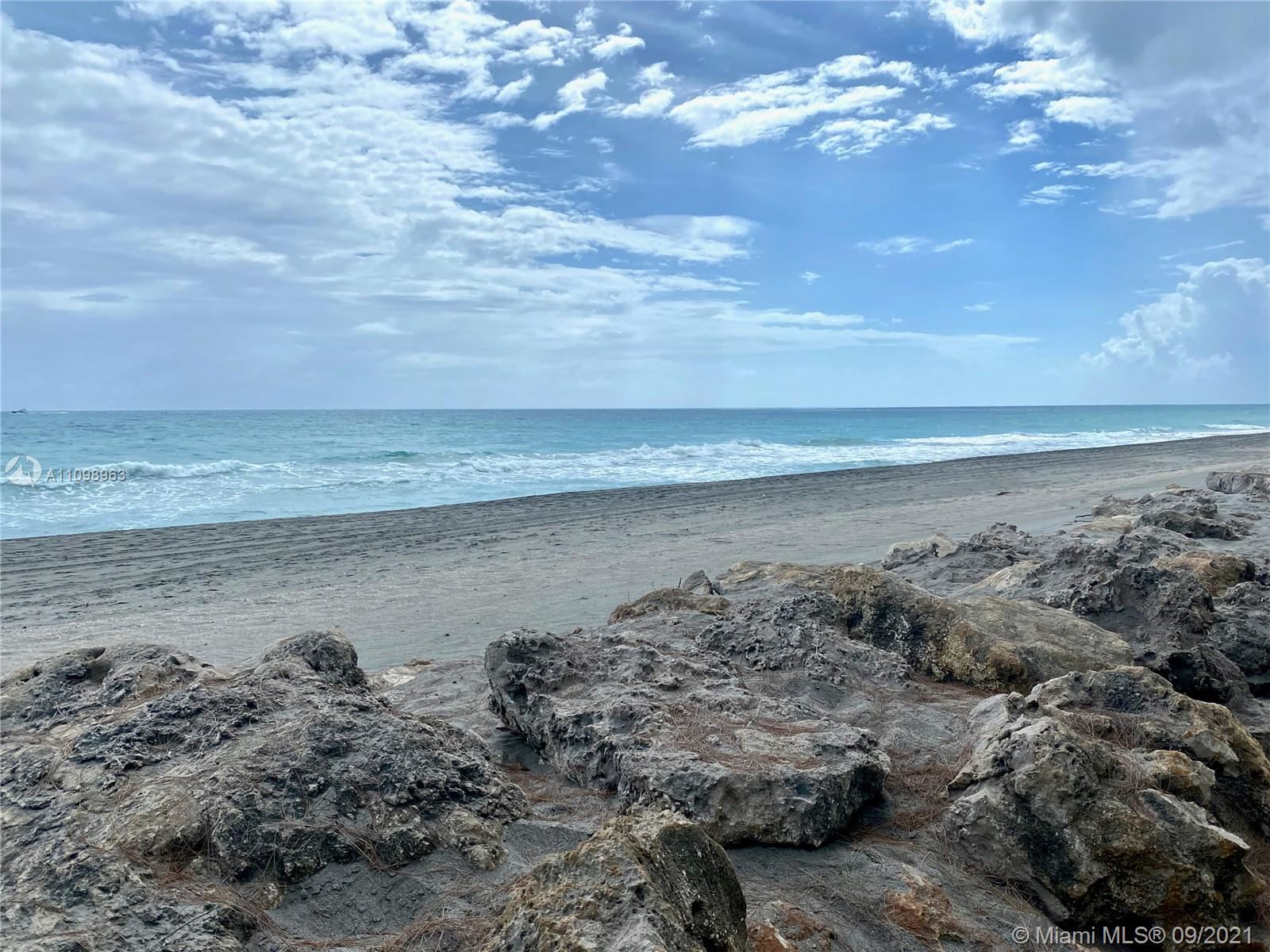 Photo of 67 N Beach Rd, Hobe Sound, FL 33455 (MLS # A11098963)