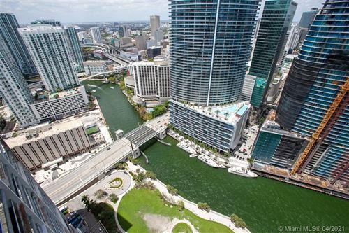 Foto de 465 Brickell Ave #4406, Miami, FL 33131 (MLS # A10525964)
