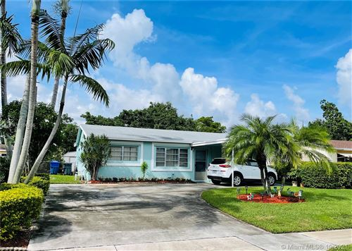 Photo of 6443 Perry St, Hollywood, FL 33024 (MLS # A11108966)