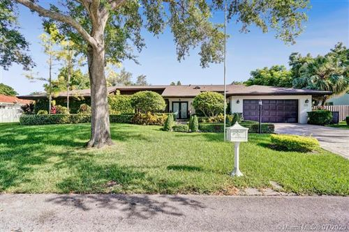 Photo of Listing MLS a10898967 in 7760 SW 180th St Palmetto Bay FL 33157