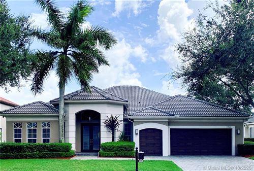 Foto de inmueble con direccion 3962 W Lake Estates Dr Davie FL 33328 con MLS A10918969
