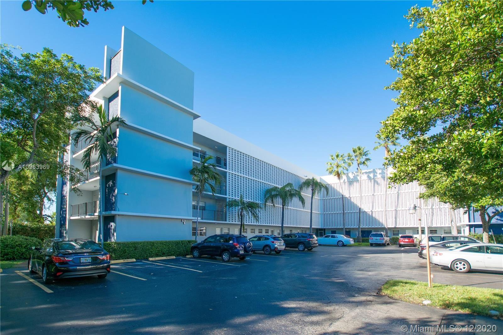 871 NE 195th St #402, Miami, FL 33179 - #: A10963969