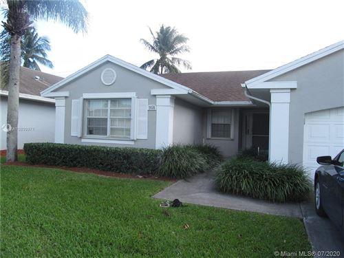 Foto de inmueble con direccion 2470 SE 7th Place Homestead FL 33033 con MLS A10899971