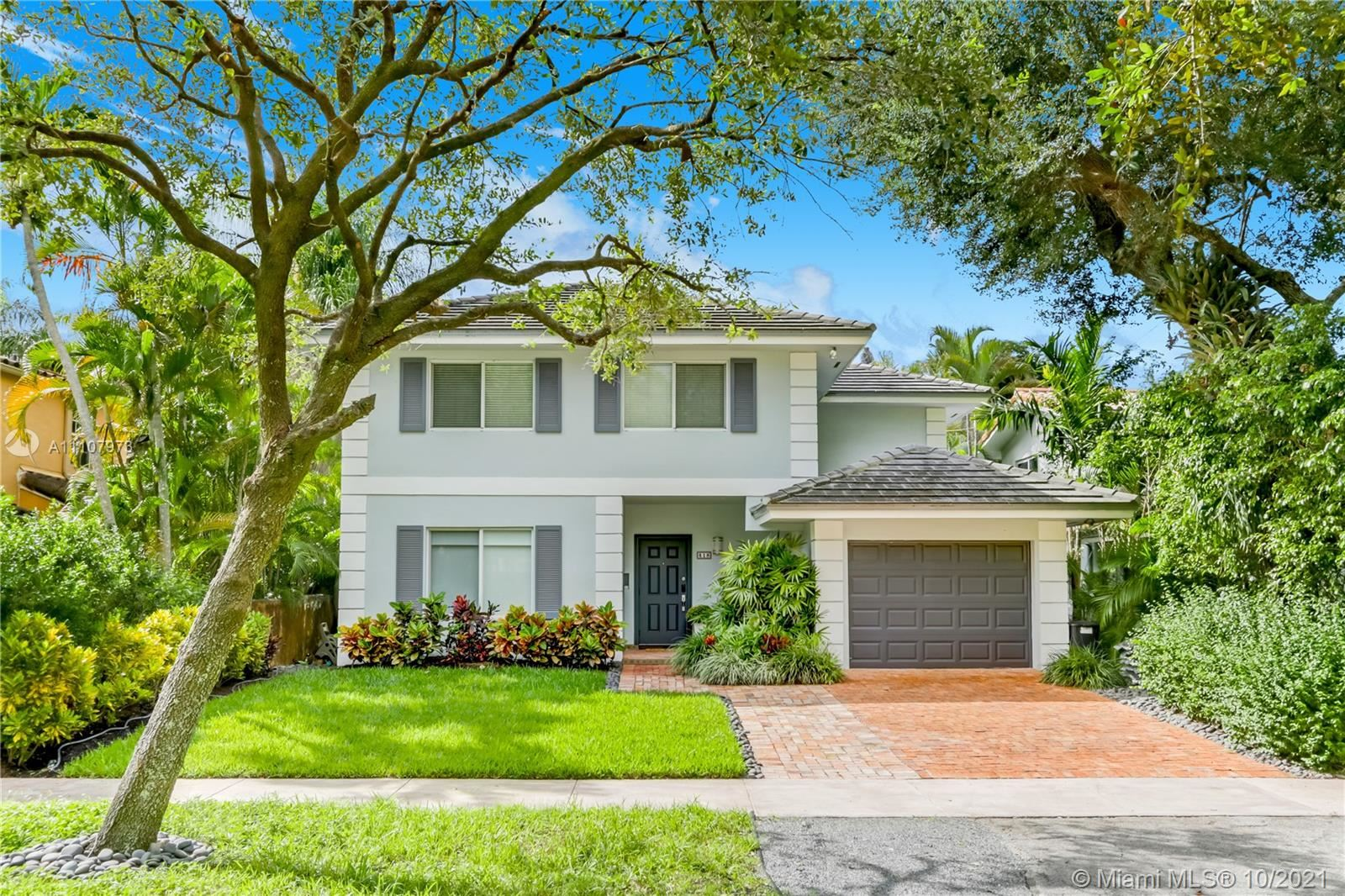 Photo of 418 Bianca Ave, Coral Gables, FL 33146 (MLS # A11107973)