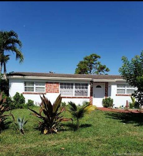 Photo of 2169 W Carrol Cir, West Palm Beach, FL 33415 (MLS # A10823977)