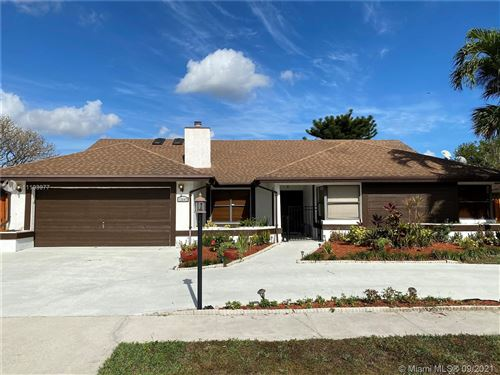 Photo of 13647 Barberry Dr, Wellington, FL 33414 (MLS # A11103977)