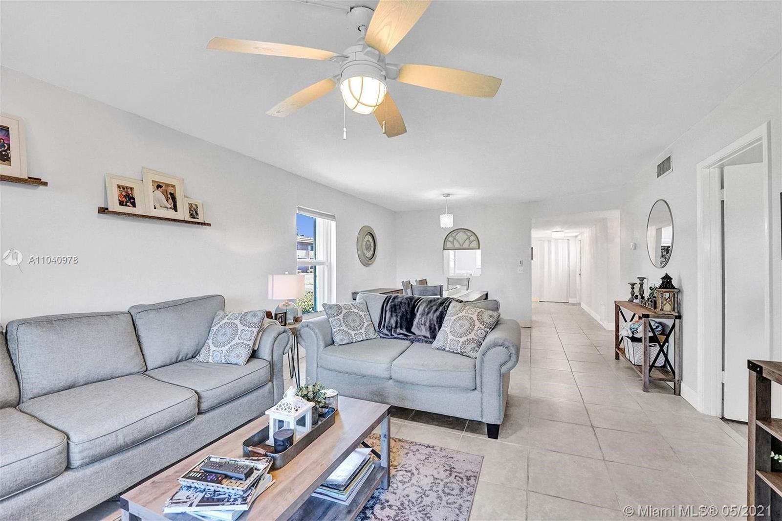 Photo of 2805 Casita Way #115, Delray Beach, FL 33445 (MLS # A11040978)
