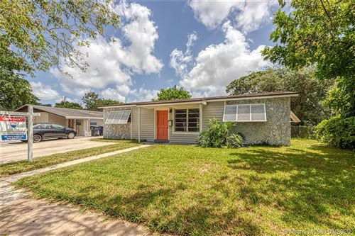 Photo of Listing MLS a10902980 in 7220 Cleveland St Hollywood FL 33024