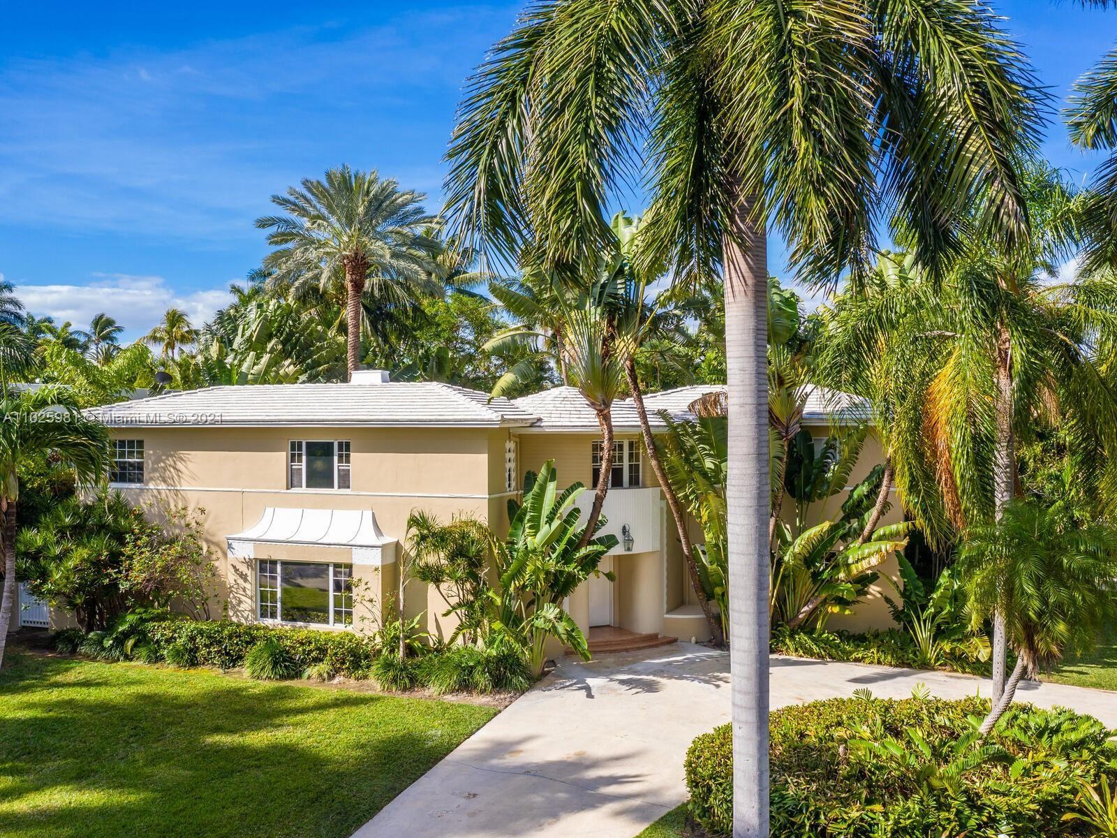 2560 Sunset Dr, Miami Beach, FL 33140 - #: A11025981