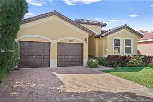Photo of Listing MLS a10805982 in 4032 SW 154th Ct Miami FL 33185