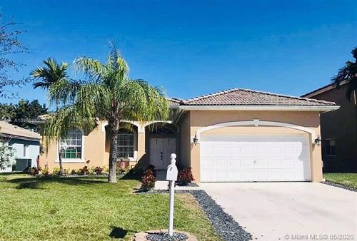 Photo of Listing MLS a10856982 in 3015 SE 4th Pl Homestead FL 33033