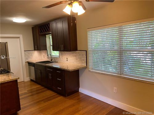 Photo of 125 Edgewater Dr #10, Coral Gables, FL 33133 (MLS # A10877983)