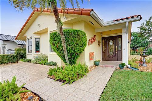 Photo of 14531 SW 52nd St, Miami, FL 33175 (MLS # A10961983)