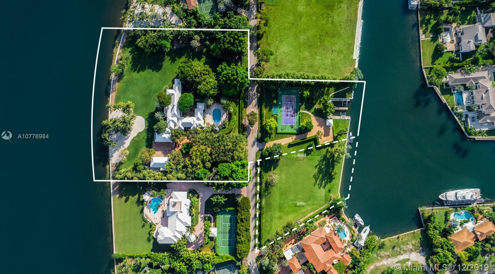 Photo of 21 Casuarina Concourse, Coral Gables, FL 33143 (MLS # A10776984)