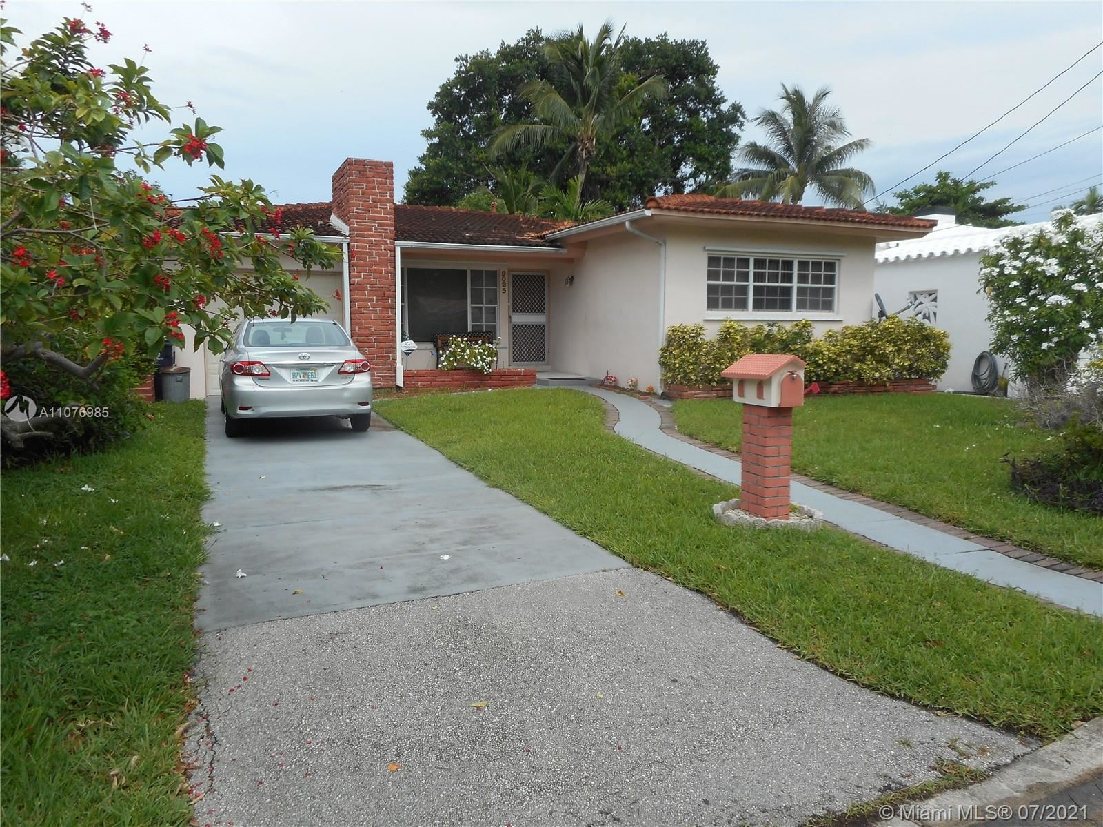 9025 Hawthorne Ave, Surfside, FL 33154 - #: A11076985
