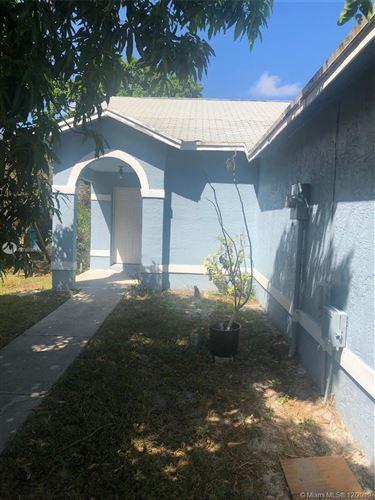 Photo of 7 Ripley Way, Boynton Beach, FL 33426 (MLS # A10786986)