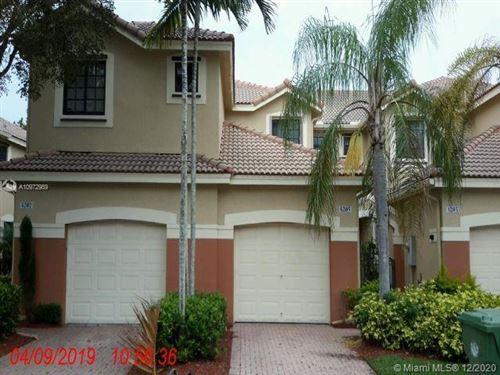 Photo of 4205 Vineyard Cir #4205, Weston, FL 33332 (MLS # A10972989)