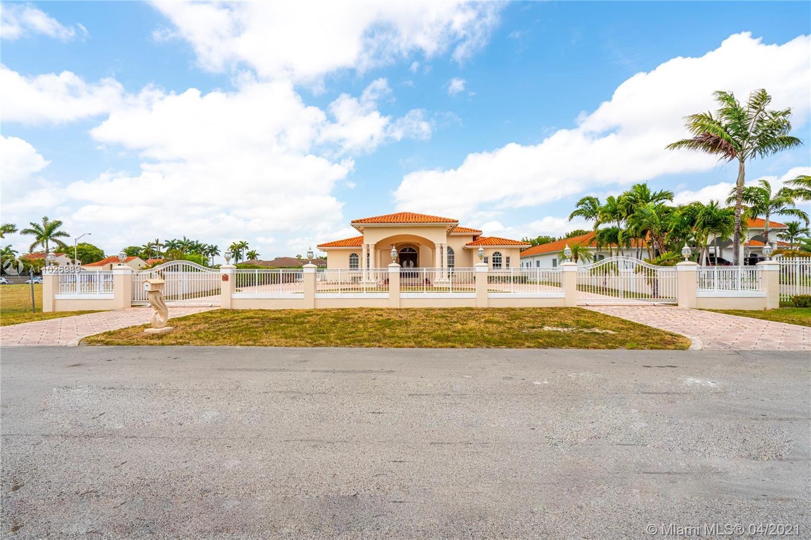 8615 Grand Canal Dr, Miami, FL 33144 - #: A11026989