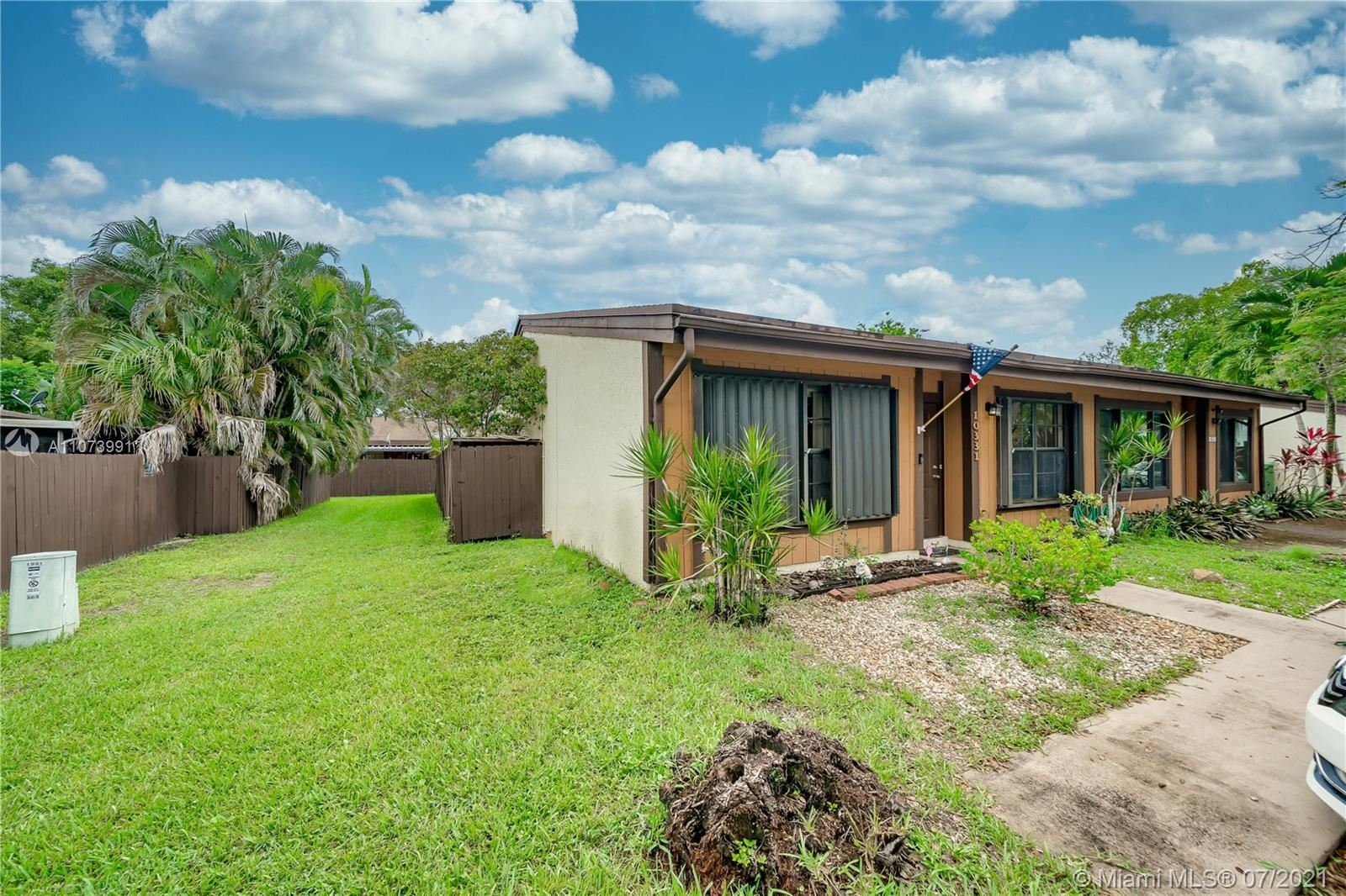 Photo of 10331 Holly Ct, Pembroke Pines, FL 33026 (MLS # A11073991)