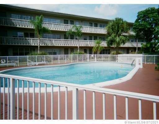 Photo of North Miami, FL 33181 (MLS # A11073992)