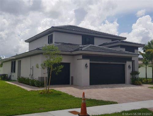 Photo of 15752 SW 44th Ter, Miami, FL 33185 (MLS # A10980993)