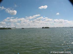 Foto de inmueble con direccion 5975 N Bayshore Dr Miami FL 33137 con MLS A10822994