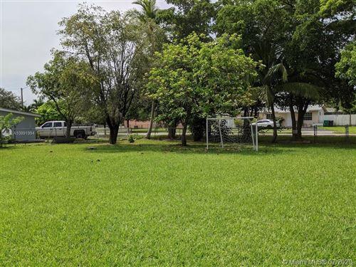 Foto de inmueble con direccion 10245 SW 212th St Cutler Bay FL 33189 con MLS A10891994