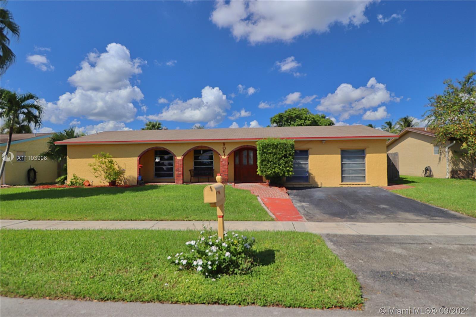9061 NW 12th Ct, Pembroke Pines, FL 33024 - #: A11103996