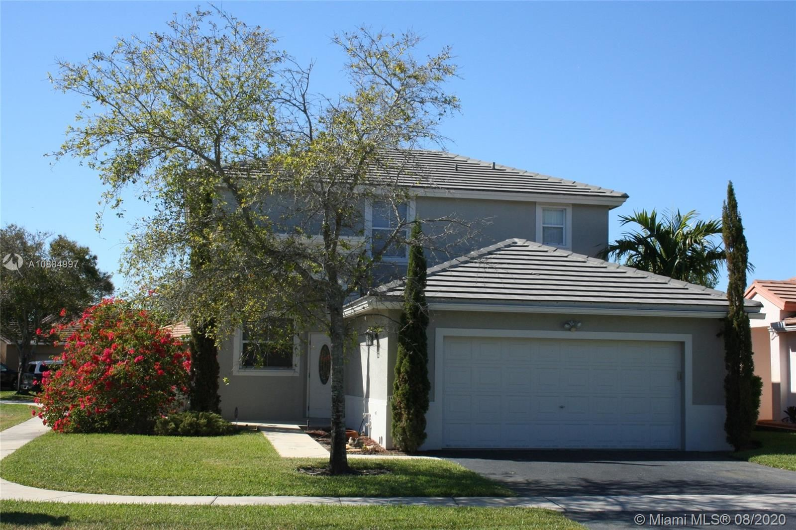 Photo for 1904 NW 185th Way, Pembroke Pines, FL 33029 (MLS # A10884997)