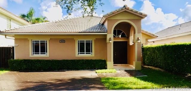 8733 NW 140th Ln, Miami Lakes, FL 33018 - #: A10929997