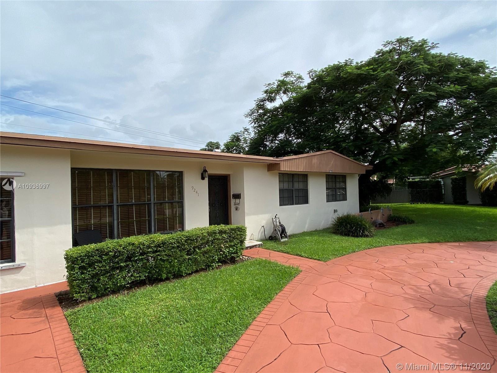 9241 SW 17th St, Miami, FL 33165 - #: A10936997