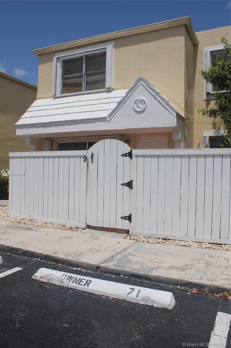 Photo of 4540 SW 68th Court Cir #9, Miami, FL 33155 (MLS # A11023999)