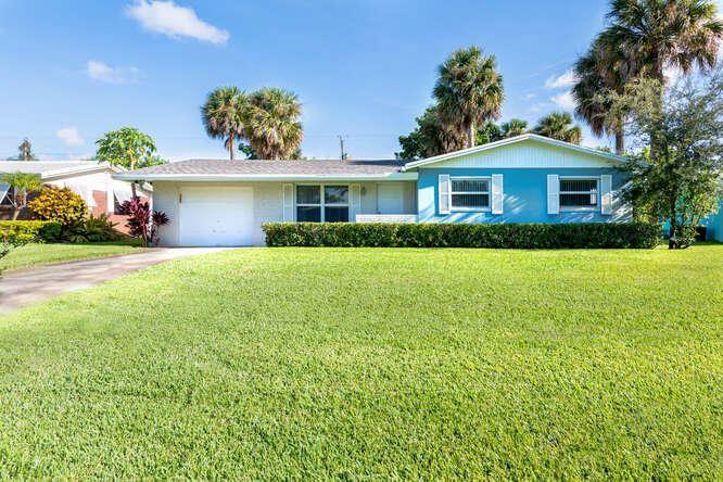 3827 Lighthouse Drive, Palm Beach Gardens, FL 33410 - #: RX-10656003