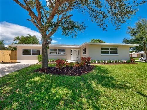 Photo of 23 Pinetree Circle, Tequesta, FL 33469 (MLS # RX-10649004)